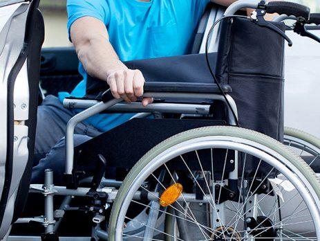 دارای معلولیت